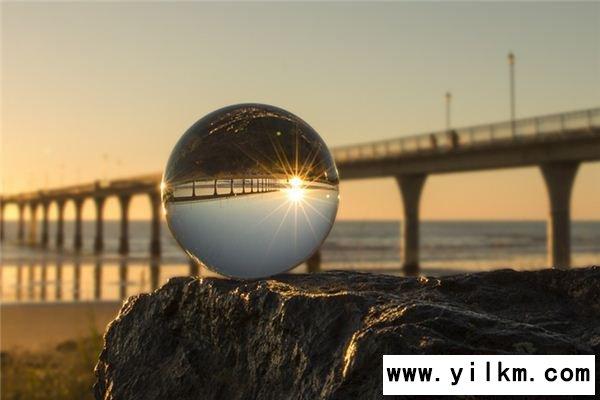 梦见水晶球是什么意思