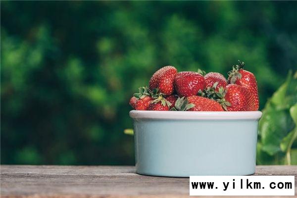 梦见摘草莓是什么意思