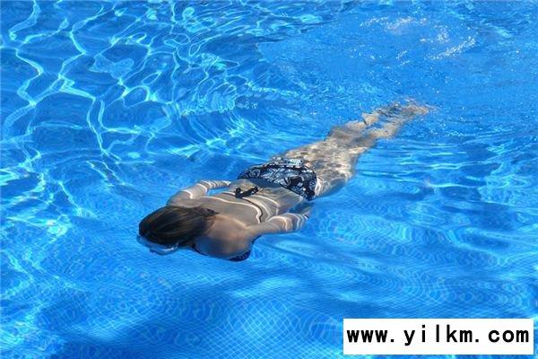 梦见游泳池是什么意思