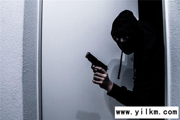 梦见抢劫别人是什么预兆