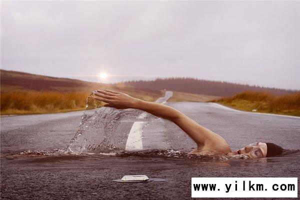 梦见自己游泳是什么意思