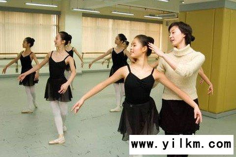 梦见专业舞蹈老师